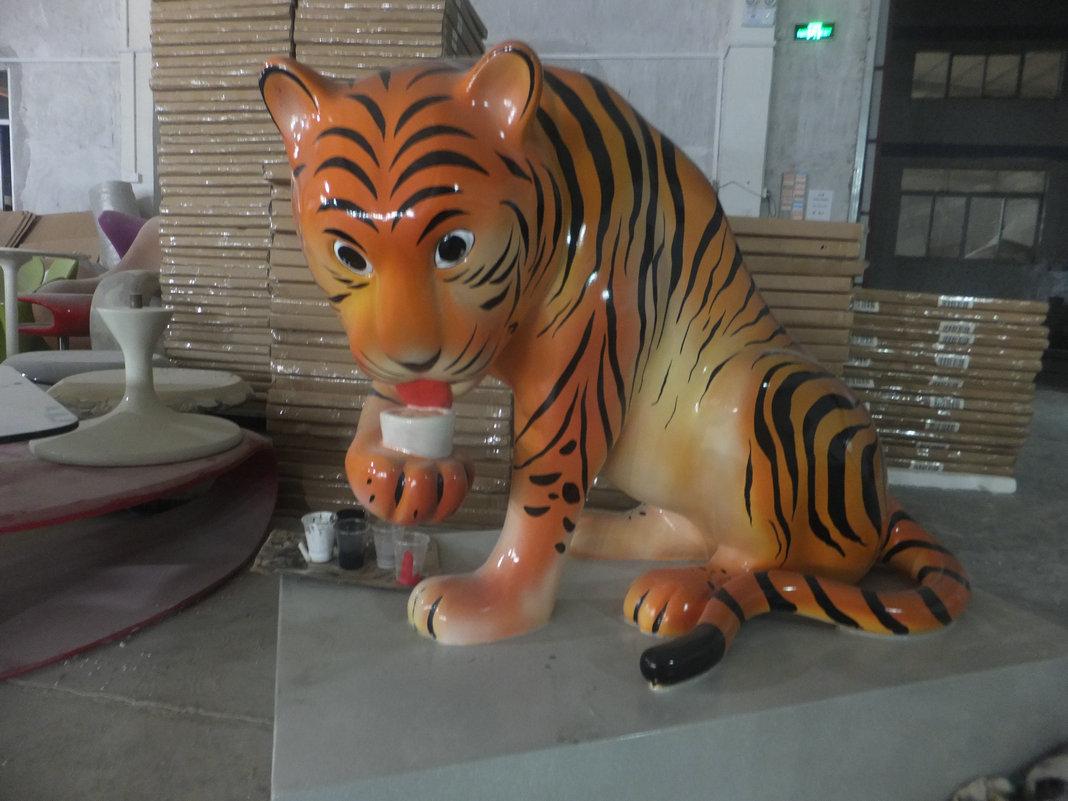 玻璃钢动物雕塑 - 深圳玻璃钢家具|玻璃钢制品厂